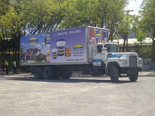 Peintures Caraibes Haiti vehicle wrap advertisement