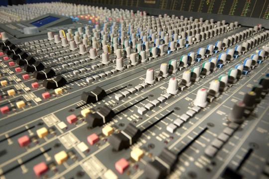 Signal FM (90.5 FM Stereo)