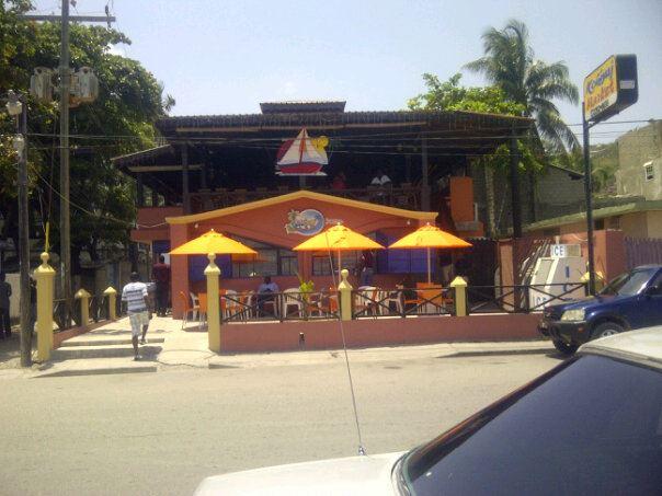 Kokiyaj Market Bar & Grill