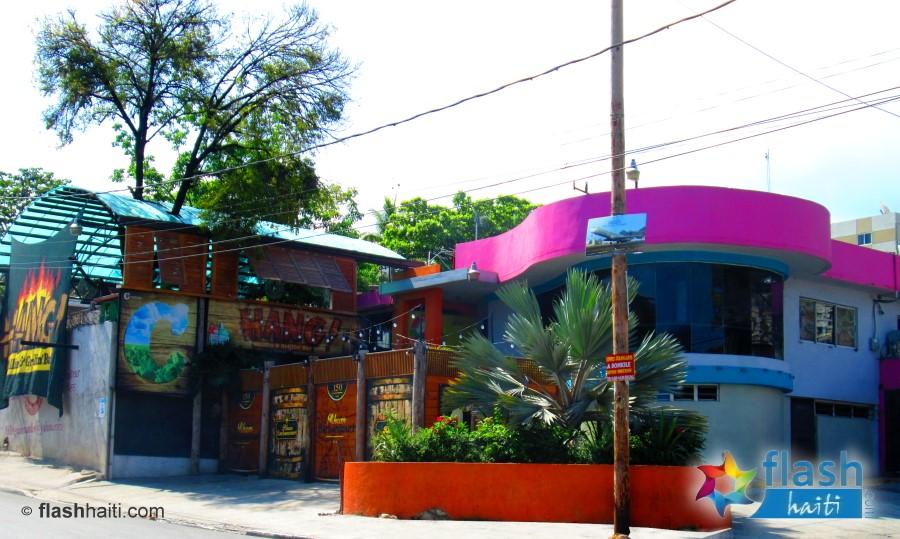 Hang Bar & Grill