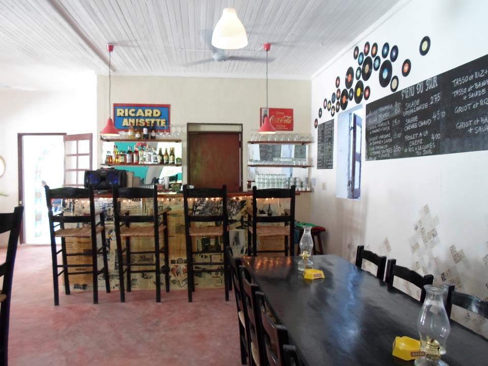 Yanvalou Cafe-Bar-Restaurant