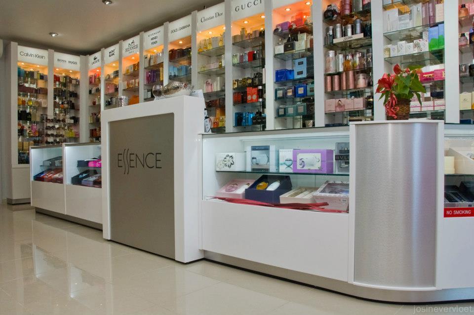Essence Parfumerie et Maroquinerie