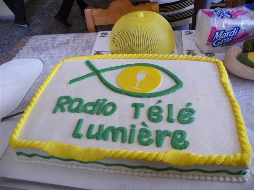 Radio tele lumi re 92 1 fm stereo chaine 24 et dcatv 75 - Radio lumiere en direct de port au prince ...
