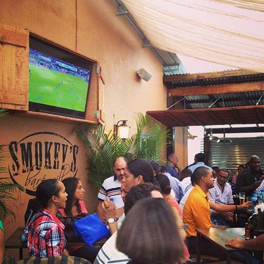 Smokey Bar & Grill