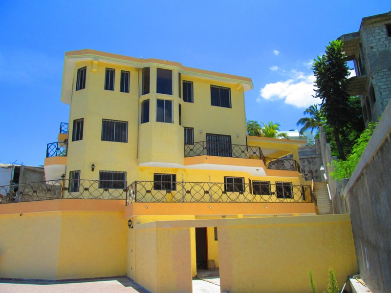 FOR SALE: New Villa 7 BR, 5-1/2 Baths With Pool, Vivy  Mitchell
