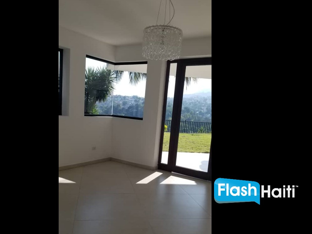 4 Bed, 3.5 Bath House for Sale in Petion-Ville