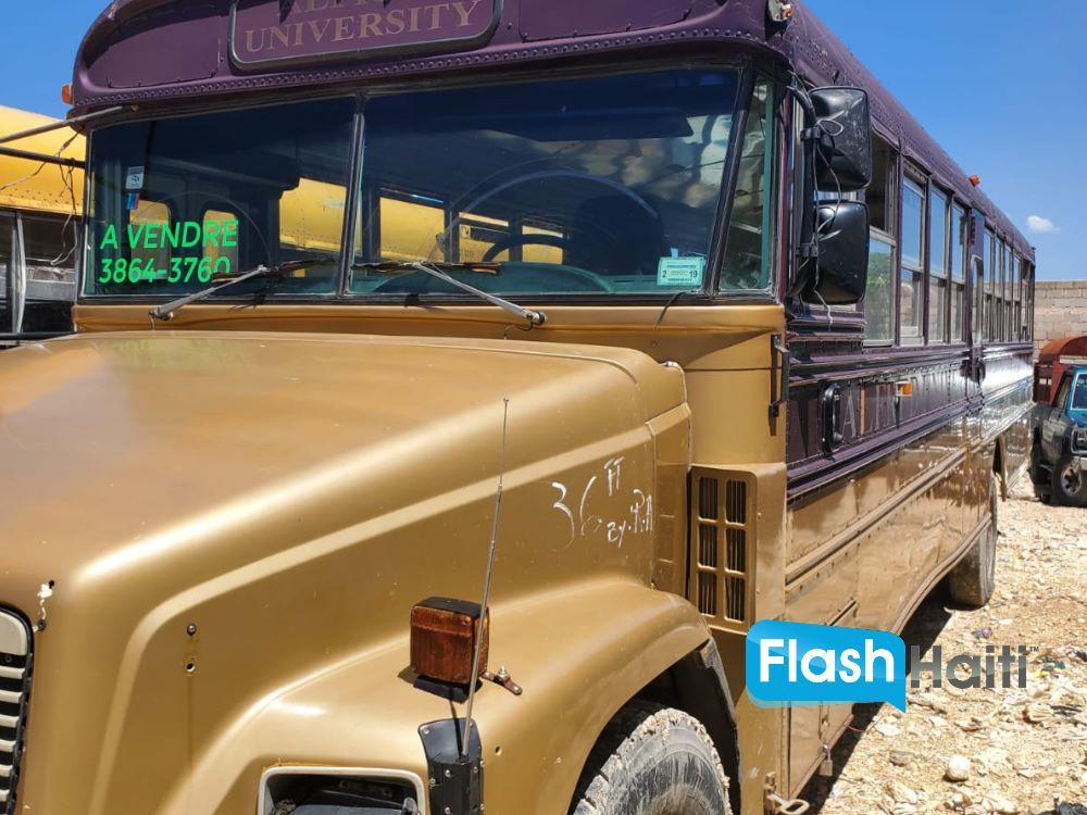 2000 Freightliner Bus for Sale