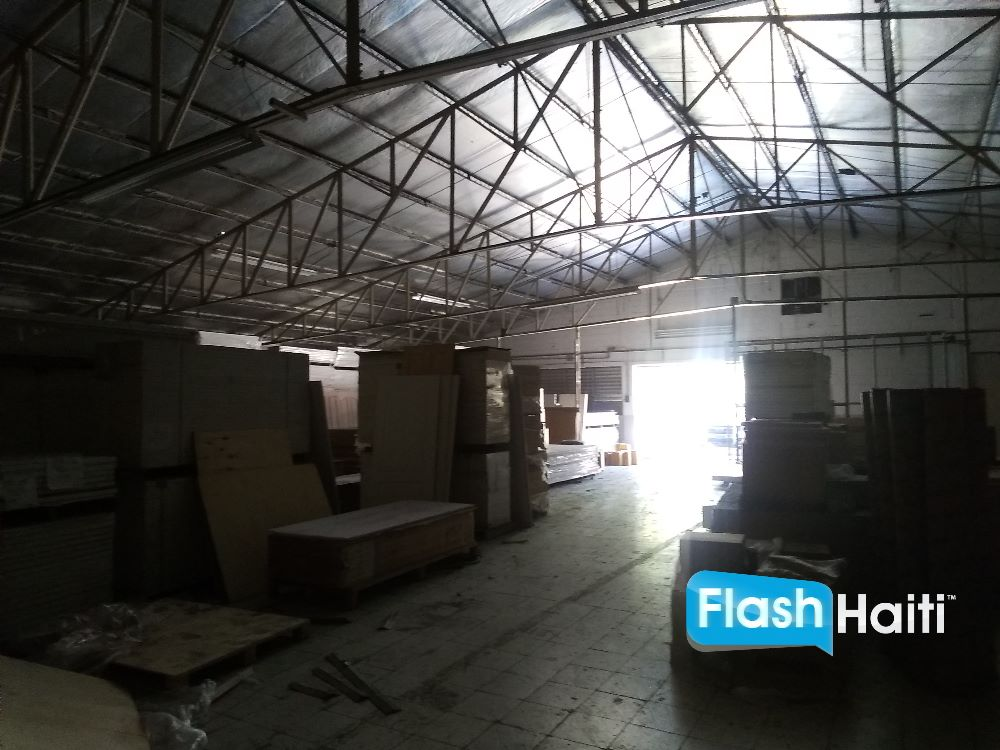 Warehouse Near Airport Road
