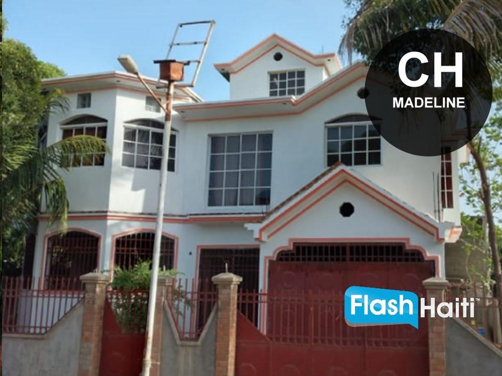 Superbe Maison a Vendre a Madeline, Cap-Haïtien