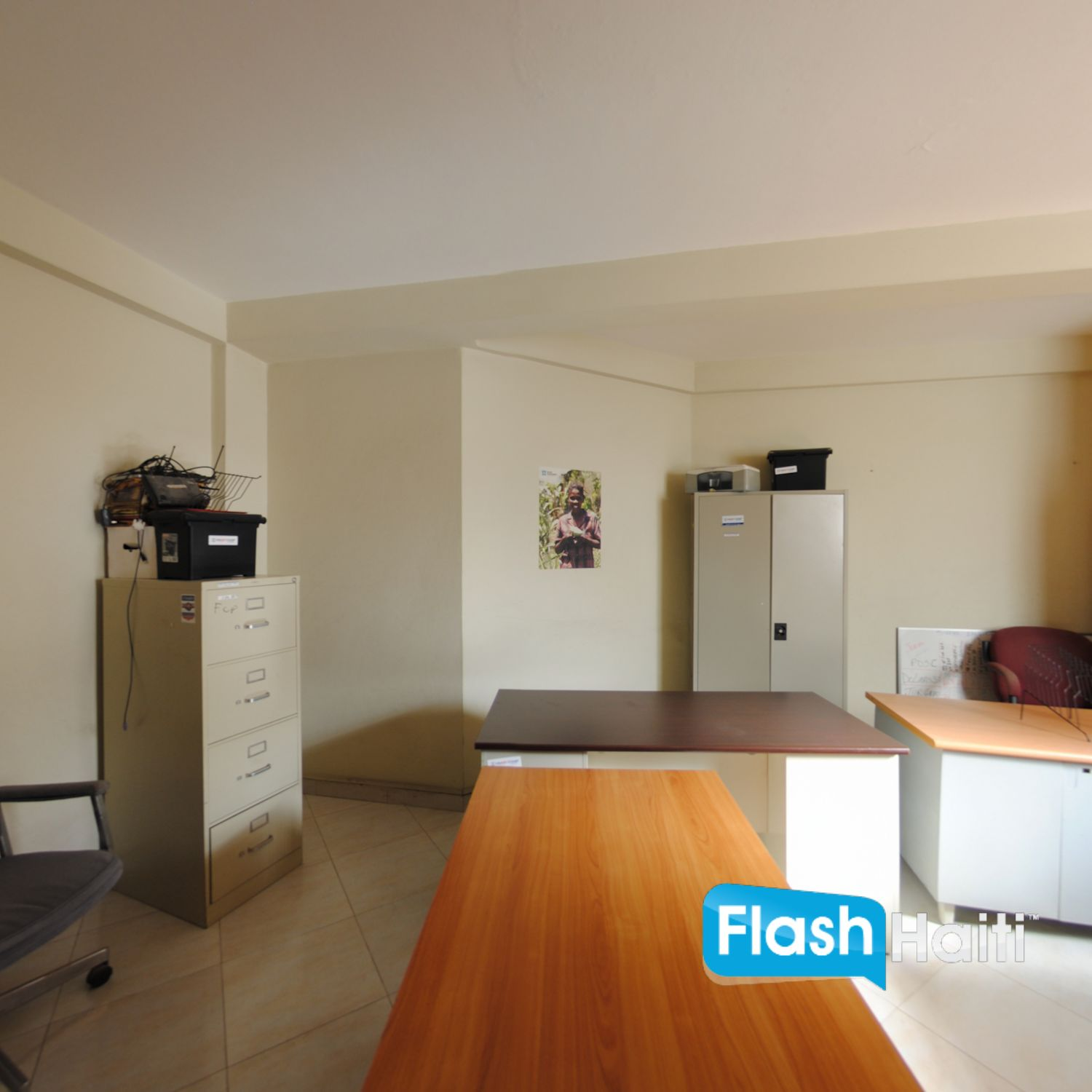 Office Building For Rent at Delmas