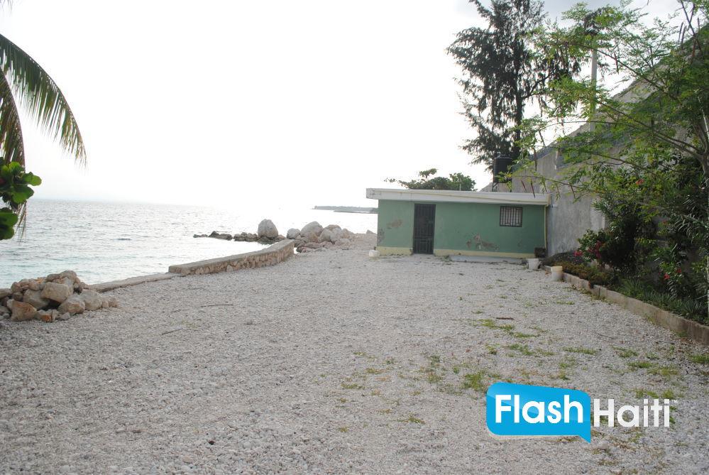 700 m2 Beachfront Land at Cote des Arcadins