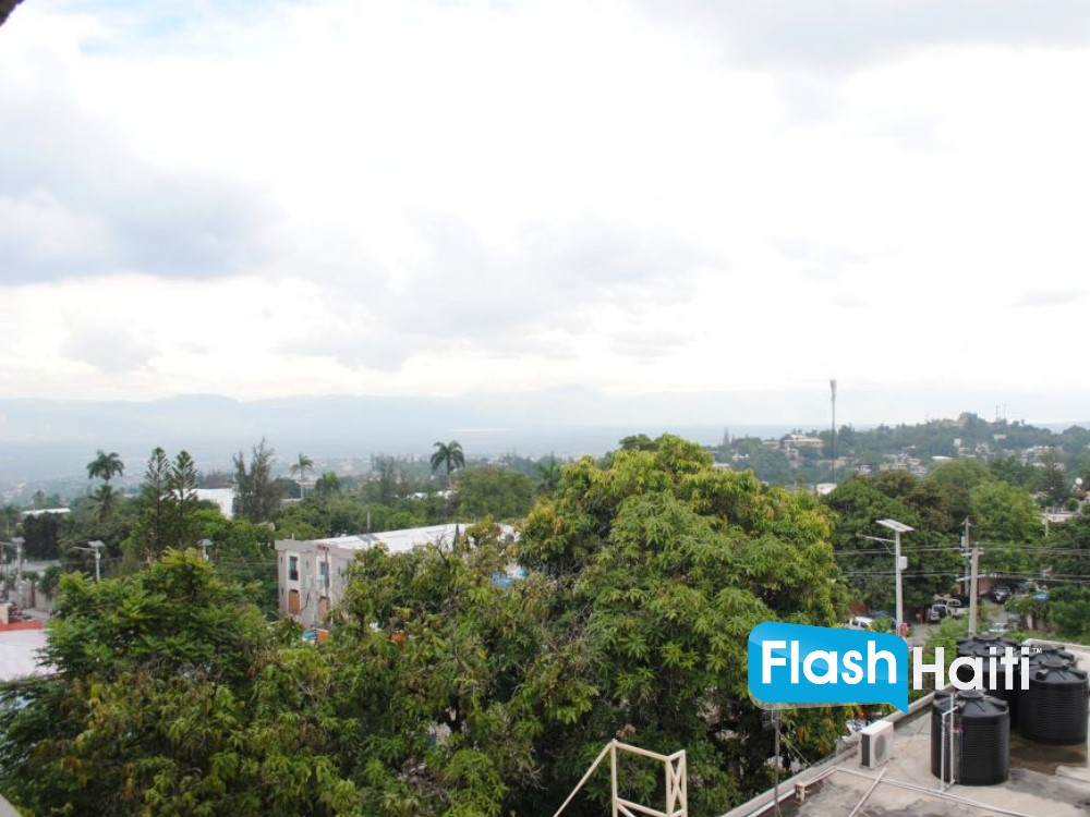 Executive Office Suite in The Heart of Petion-Ville
