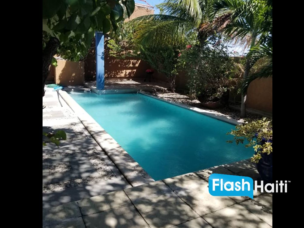 Modern & Luxurious 4 Bed, 4 Bath House with Pool for Sale in Vivy Mitchell