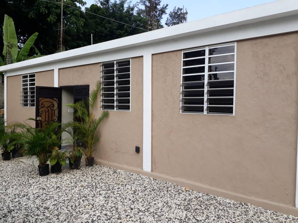 Affordable & Modern, Independent Home at Laboule