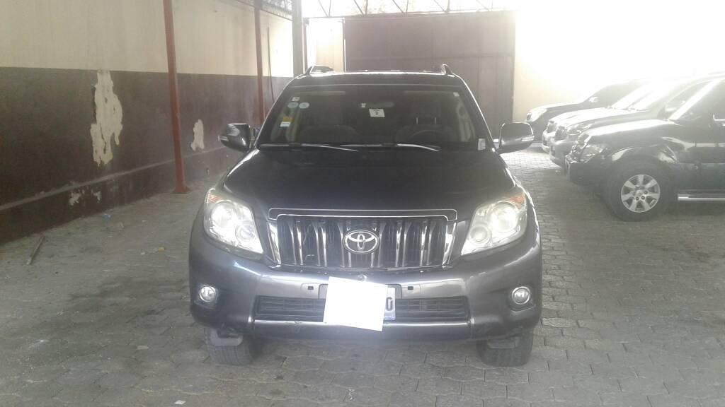 2011 Toyota Prado -  Armored / Blindé (Dark Gray)