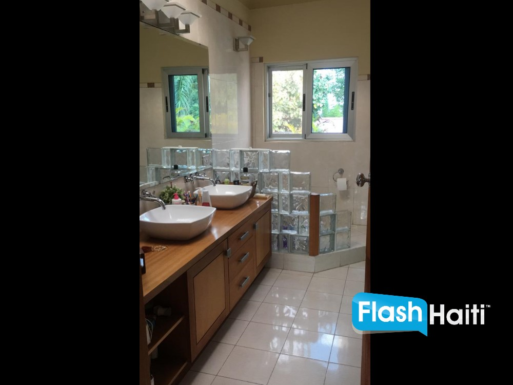 3 Bed, 3.5 Bath House for Sale at Pelerin