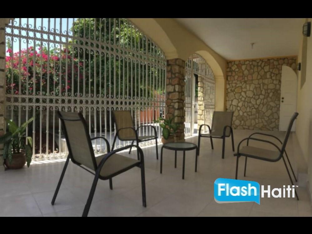 Maison 5 Chambres a Vendre a Delmas 75