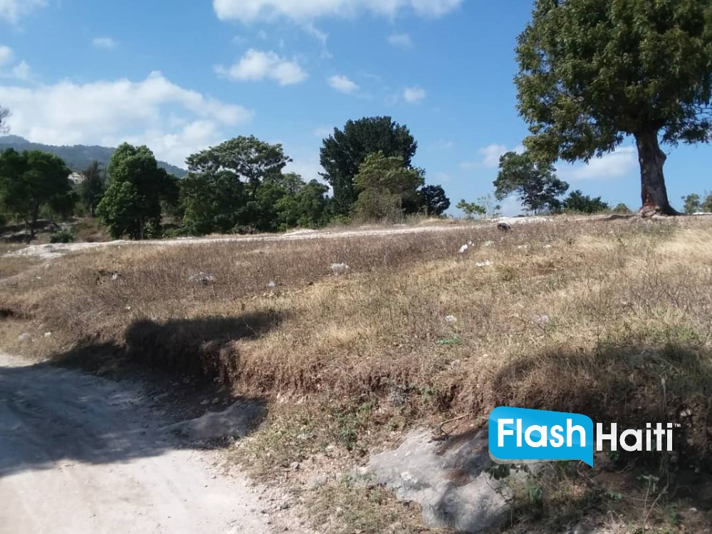 Land for Sale in Metivier, Petionville