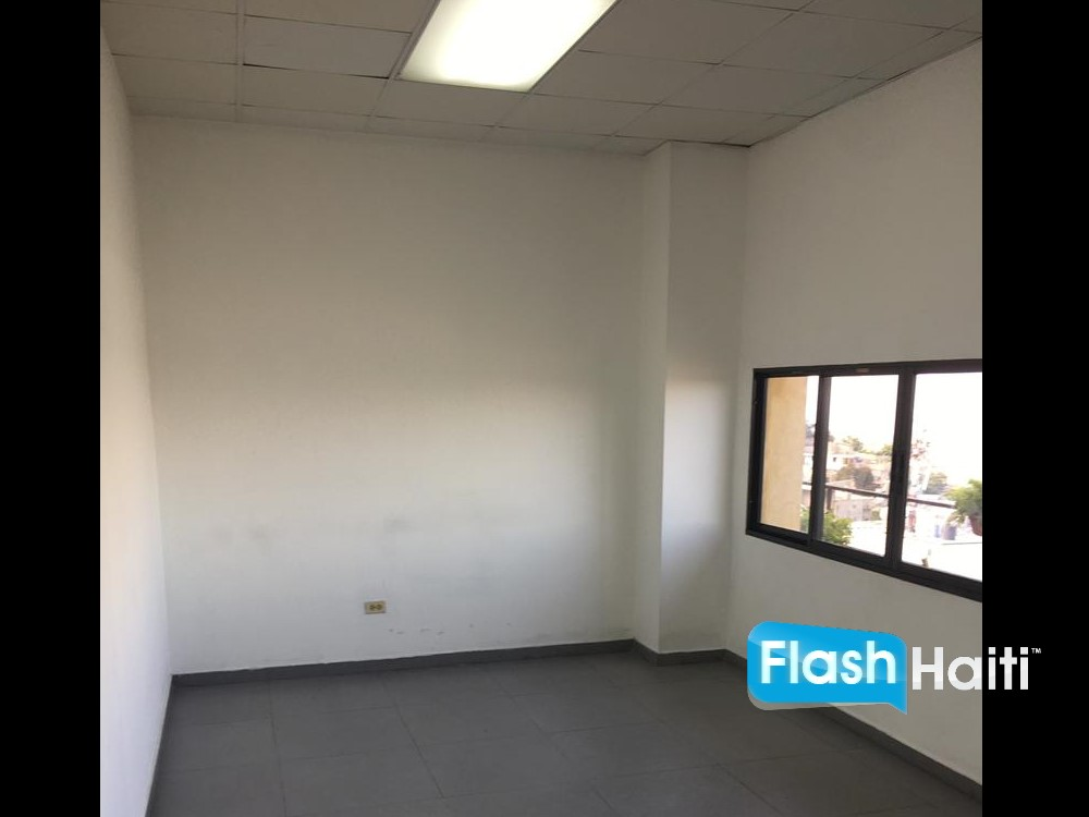 70 sqm Office Space For Rent in Petionville