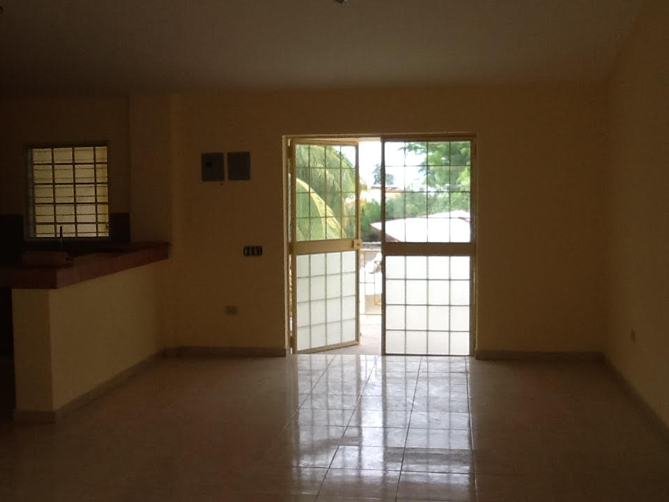 2 Bed, 1 Bath Apartment at Delmas 75
