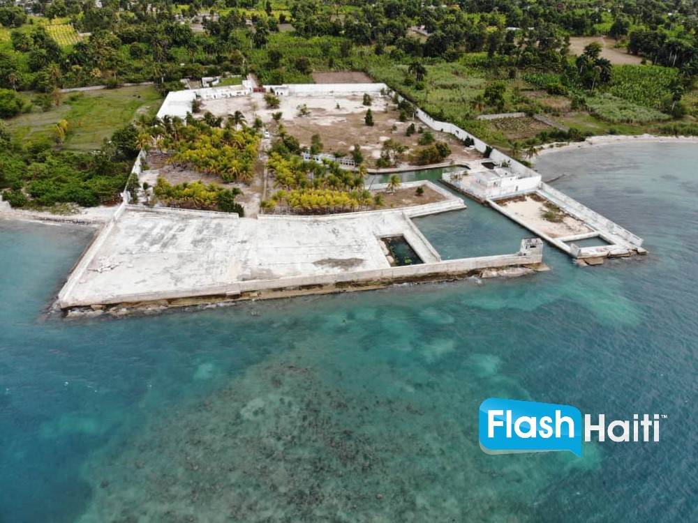 Seashore Land with Docking Facilities for Sale