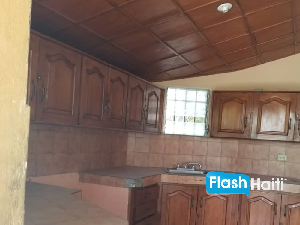 3 Bed House Sale at Delmas 75