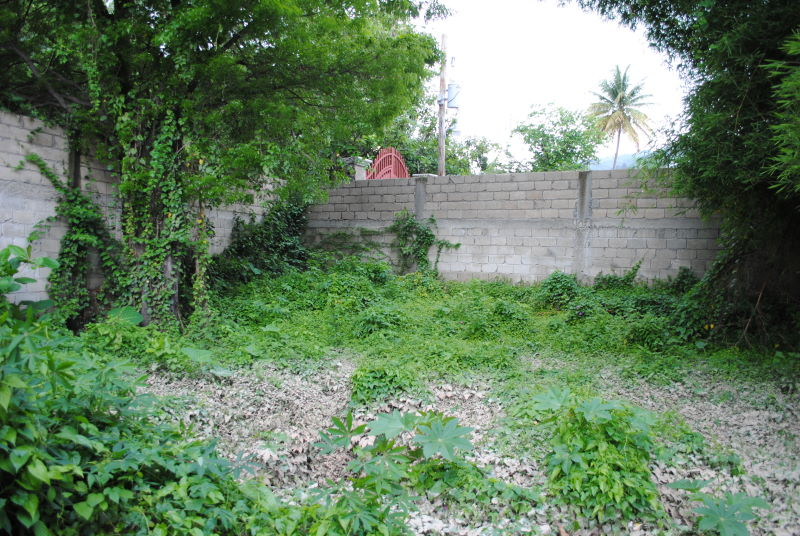 550 m2 Land For Sale at Pelerin 5