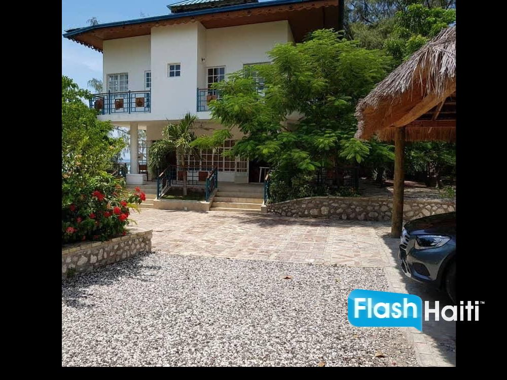 Oceanfront House for sale in Montrouis