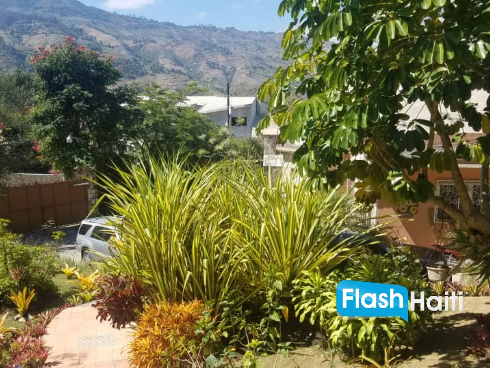4 Bed, 4 Bath House For Sale at Thomassin