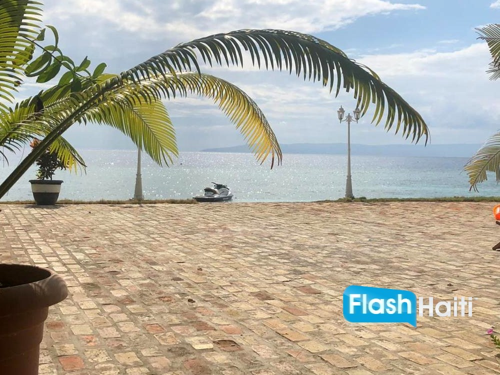 Beachfront Property at Cote des Arcadins