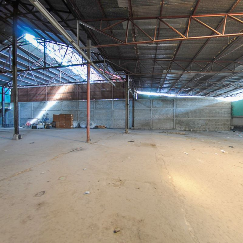 20,000 sq m2 Warehouse at Varreux