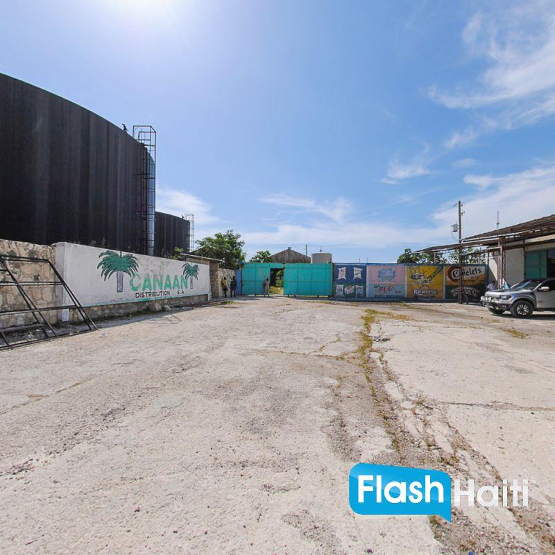 20,000 sq m2 Warehouse at Varreux