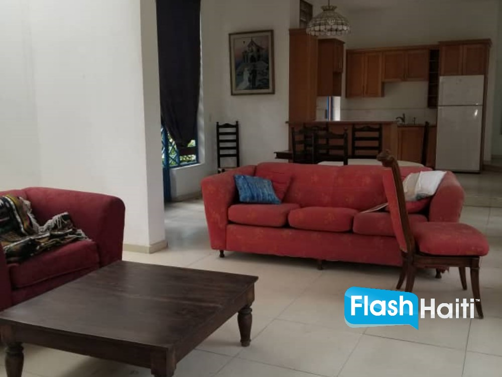 3 Bed, 3 Bath House For Sale in Vivy Mitchell