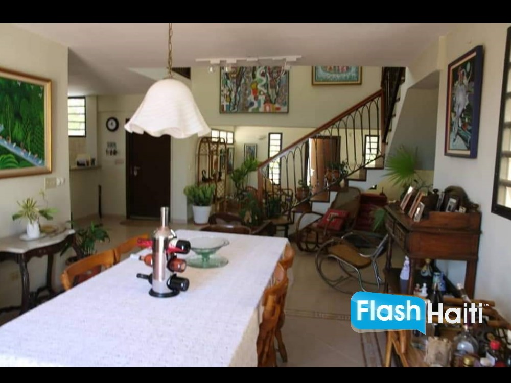 House for Sale in Thomassin