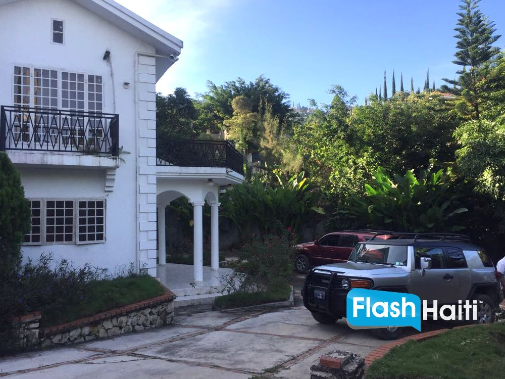 4 Bed, 4 Bath Home For Sale at Pelerin
