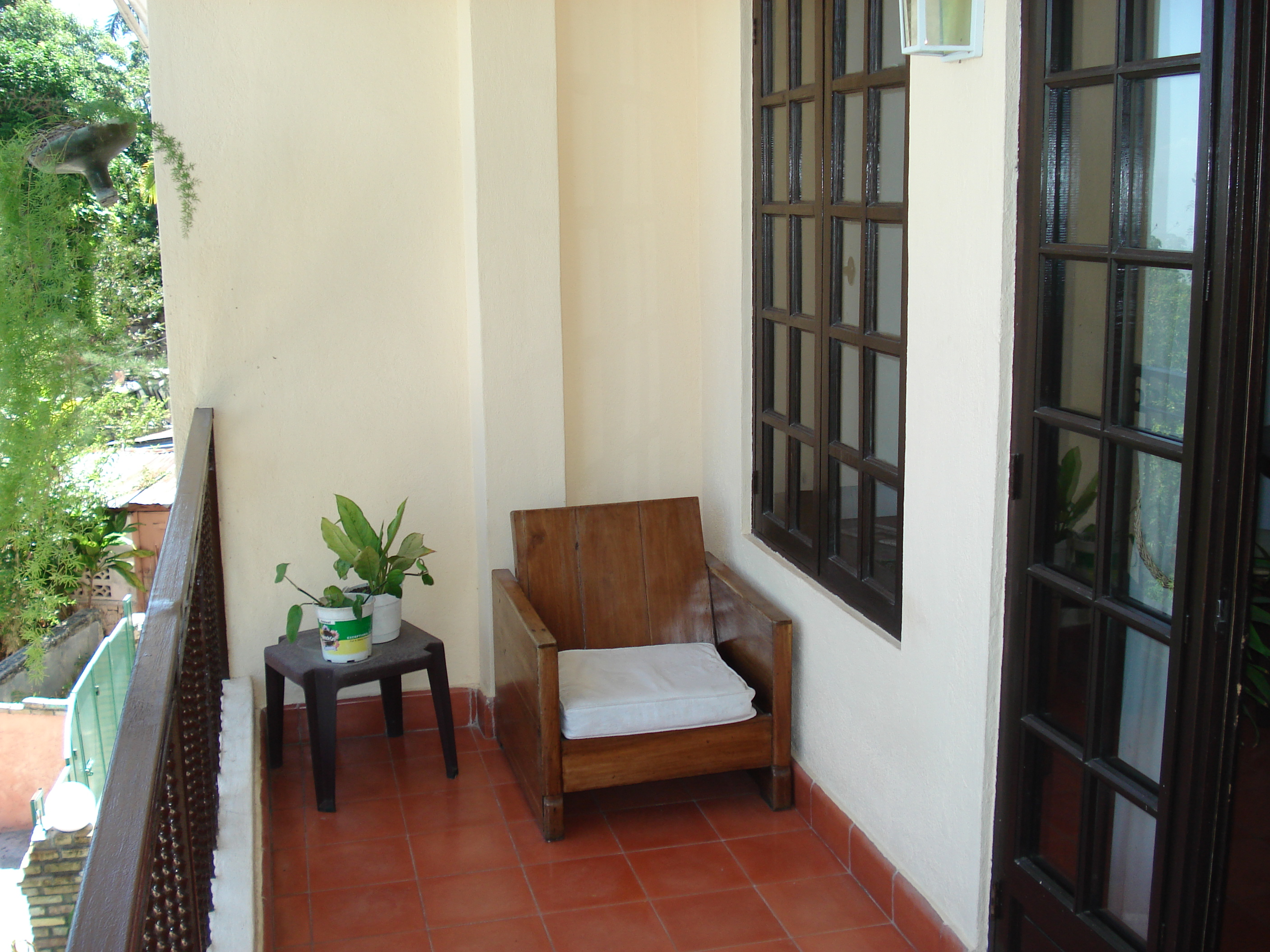 1 Bedroom Apartment Fully Furnished In Montagne Noire