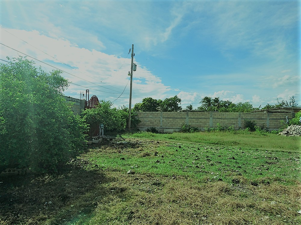 Land with House for Sale at Bon Repos