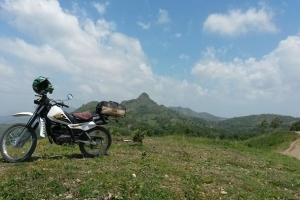 Yamaha DT 175 motorcycle