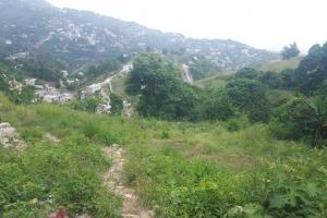 1,966 m2 Land at Montagne Noire