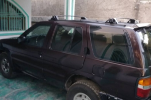 1998 Nissan Pathfinder (*4 New Tires)