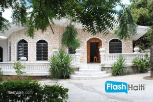 FOR SALE: 6 Bed, 5 Bath Villa at Delmas 75