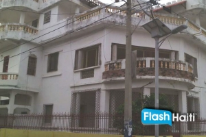 16 Rooms , 12 Bath compound for sale!!