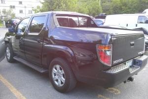 Belle Pick-up a vendre (Honda Ridgeline). prix negotiable