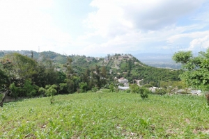 4,000 m2 Land For Sale at Pelerin