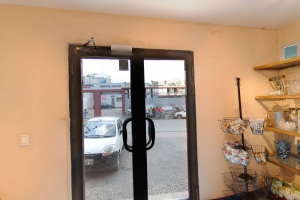 Commercial Property For Rent in Petion-Ville High Traffic Commercial District