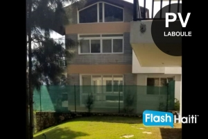 Townhouses for Sale or for Rent at Laboule