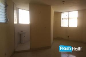 3 Bed, 2 Bath Apartment For Rent at Delmas 75