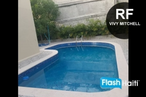 House with Pool at Vivy Mitchell