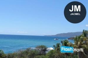 Terrain au Bord de Mer en Vente à Jacmel