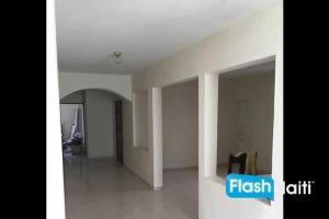 Maison a vendre a Pétion-Ville (Thomassin 25)